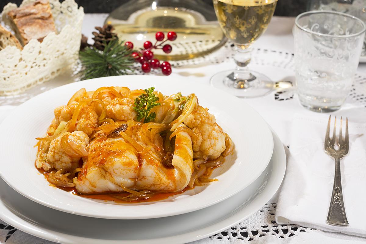 Cocina Un Delicioso Bacalao Con Coliflor Para Esta Nochebuena